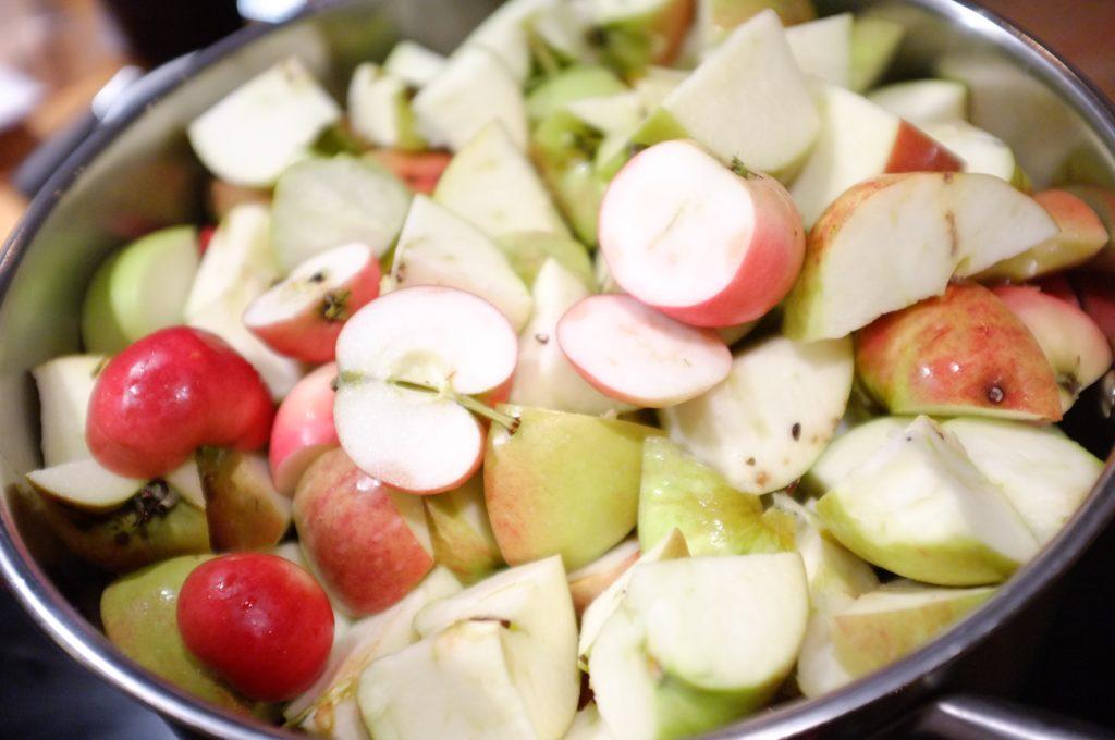 Äppel på kokning till mos