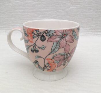 mugg på fot i keramik