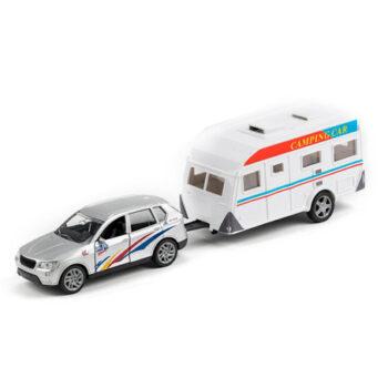 bil med husvagn silver
